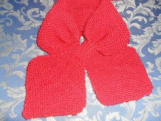 Toddler scarf pattern.