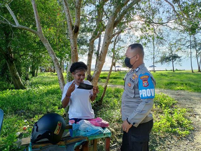 Polsek Muara Tami Lakukan Patroli Dialogis, Himbau Prokes dan Bagi Masker ke Warga
