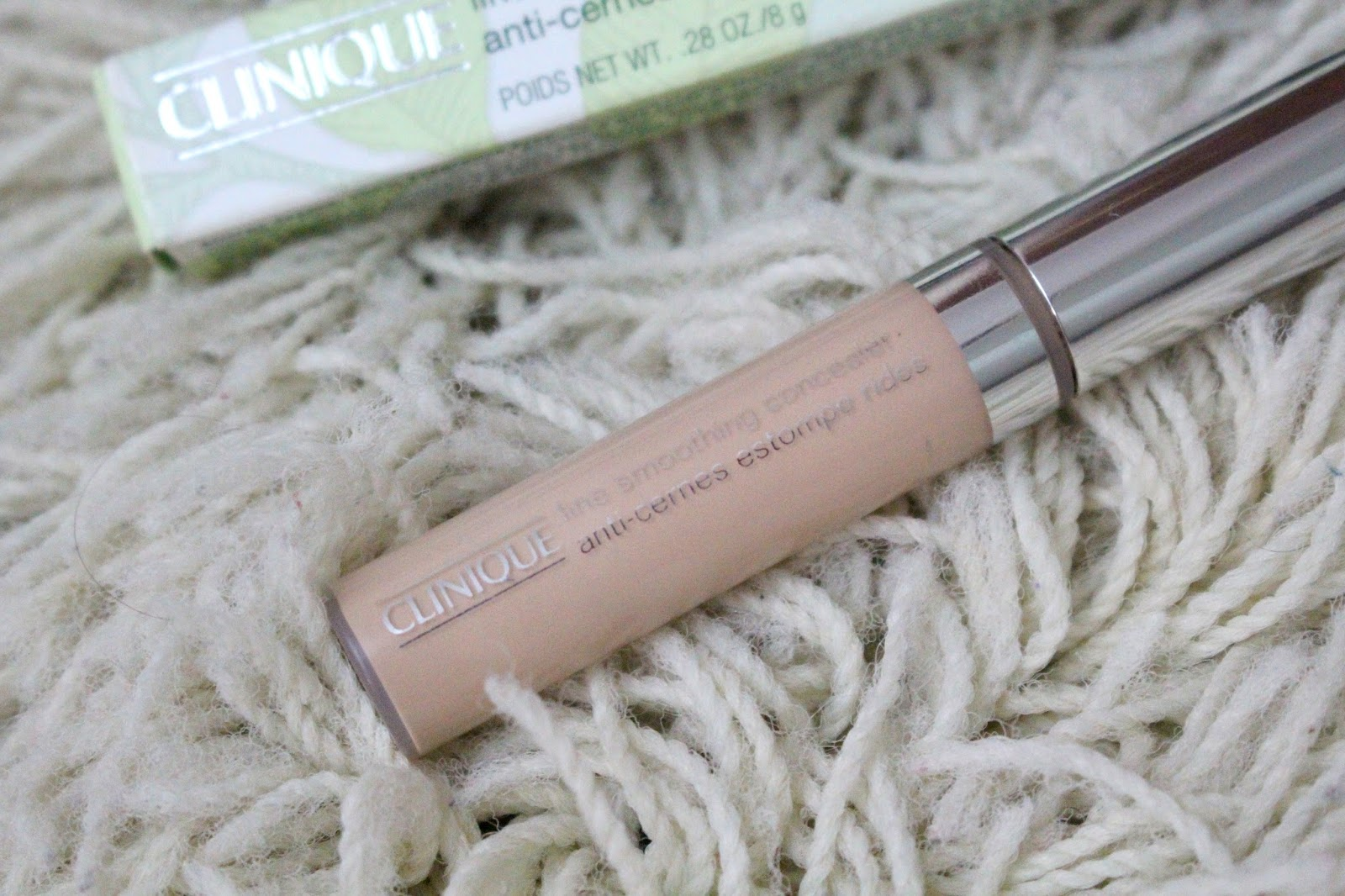 Line Smoothing Concealer Clinique Ana do dia