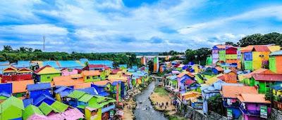 Malang dikenal oleh masyarakat sebagai kota yang memiliki banyak objek wisata yang bagus d Destinasi Wisata yang Wajib Dikunjungi Saat Travelling ke Malang