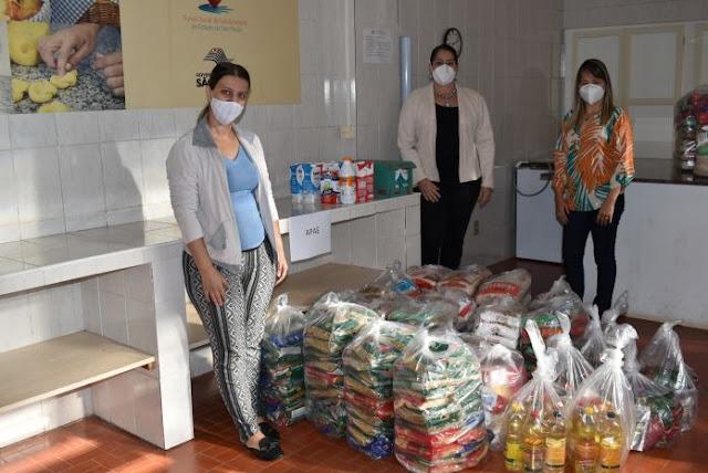 Apae de Adamantina recebe alimentos arrecadados pela Campanha Vacina Contra Fome -  Adamantina Notìcias