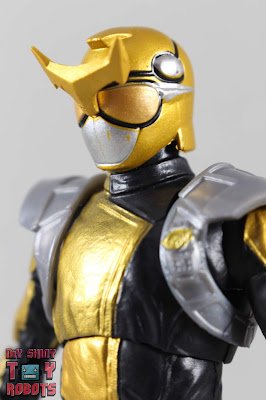 Lightning Collection Beast Morphers Gold Ranger 01