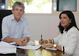 Lígia silencia ante declarações de RC mas acordo fechado em 2014, era ela assumir governo agora