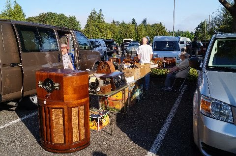 Shoreline Area News: Antique Radio Association Swap Meet