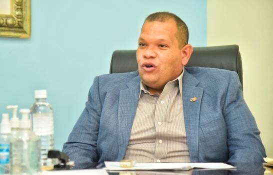 Alcalde Carlos Guzmán abandonaría PLD este domingo para juramentarse en la FP