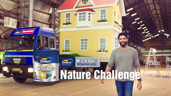 Farhan Akhtar challenges Nature in the new Dulux Weathershield Powerflexx TVC