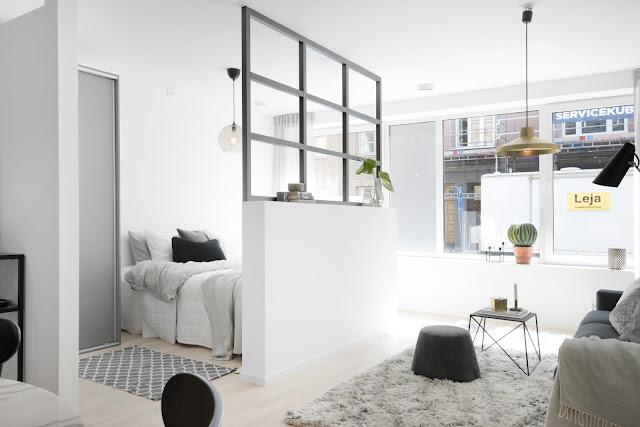 Semi-perete între dormitor și living într-un apartament de 58 m²