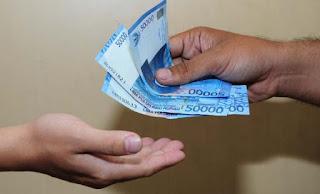 Saat Kamu Diberi Pinjaman Uang, Bukan Berarti Temanmu Banyak Uang. Jadi Jangan Lupa Menggantinya