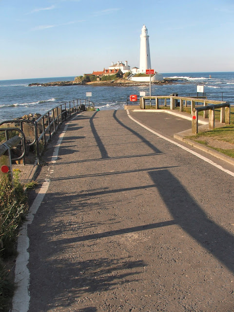 St Marys Island-Artist and Photography