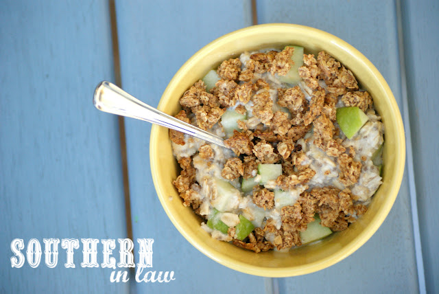Healthy Vegan Apple Crumble Overnight Oats Recipe - low fat, gluten free, low calorie, high protein, clean eating recipe, healthy breakfast, sugar free,