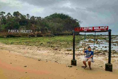 Wisata pantai ngliyep, lokasi pantai ngliyep, harga tiket masuk pantai ngliyep, wisata pantai di malang, fasilitas rute ke Ngliyep