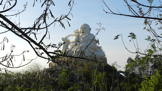 Đức Phật Di Lặc Hồ Mây Vũng Tàu