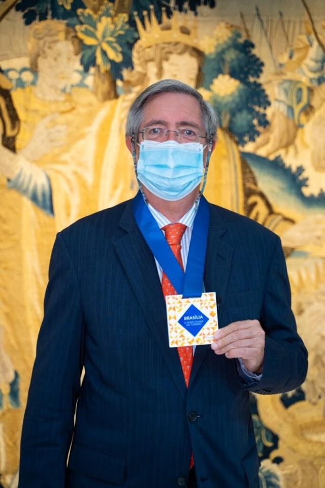 Turismo entrega troféus e medalhas do 1º Prêmio Brasília