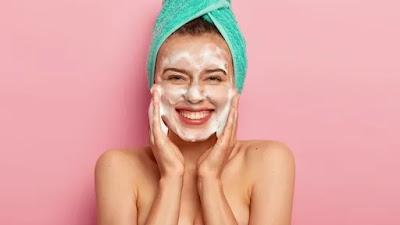 Gunakan 5 tips perawatan kulit sederhana ini untuk menjaga kulit Anda bersih dari minyak berlebih