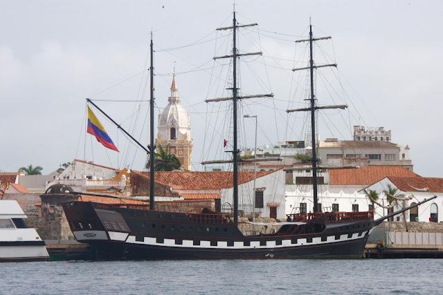 Porto de Cartagena, rumo ao arquipélago de Rosário