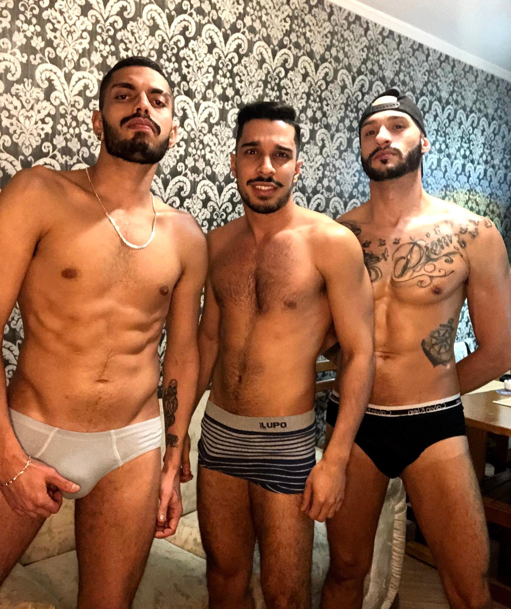 amigos desnudos