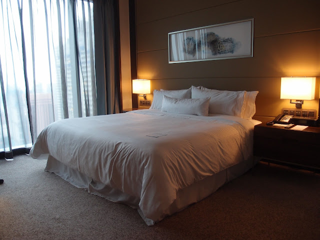 the westin singapore guestroom