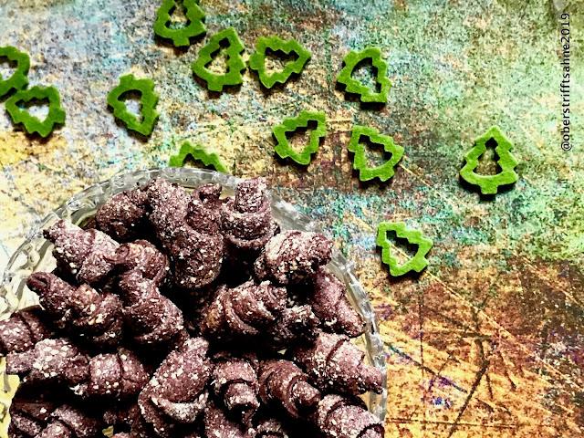 Weihnachtsplätzchen mit Kakao und Nougat