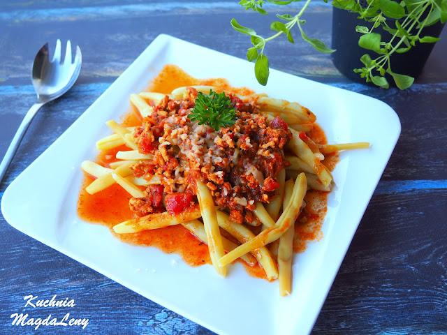 Fasolka szparagowa z sosem bolońskim
