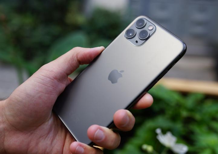 سعر ومواصفات Apple iPhone 11 Pro