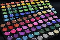 makeup karna sikhaye