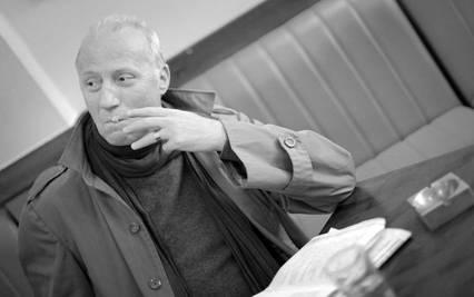 «ΠΕΘΑΙΝΩ ΣΑ ΧΩΡΑ» του Δημήτρη Δημητριάδη με τον Τάσο Μπλάτζιο στο 3ο Φεστιβάλ Θεάτρου «Ερμηνείες στην Ερμιονίδα»