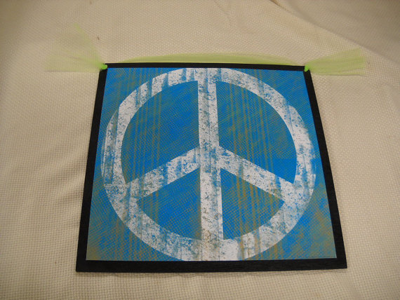 Peace Sign Bedroom Accessories: Peace Sign Decorations For Bedrooms