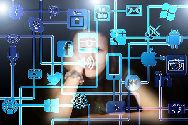 10 Tip Menjaga Anak Aman di Media Sosial
