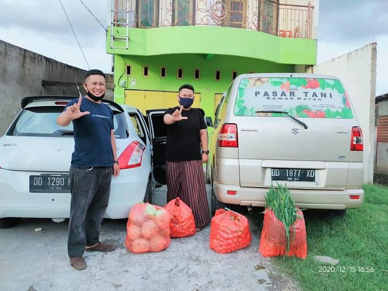 Polisi Literasi Belanja  Sayur di Pasar Tani Rumah Koran