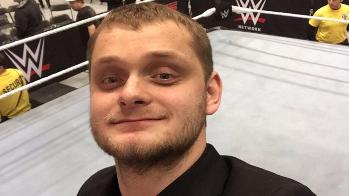 David Benoit assina com a Real Canadian Wrestling