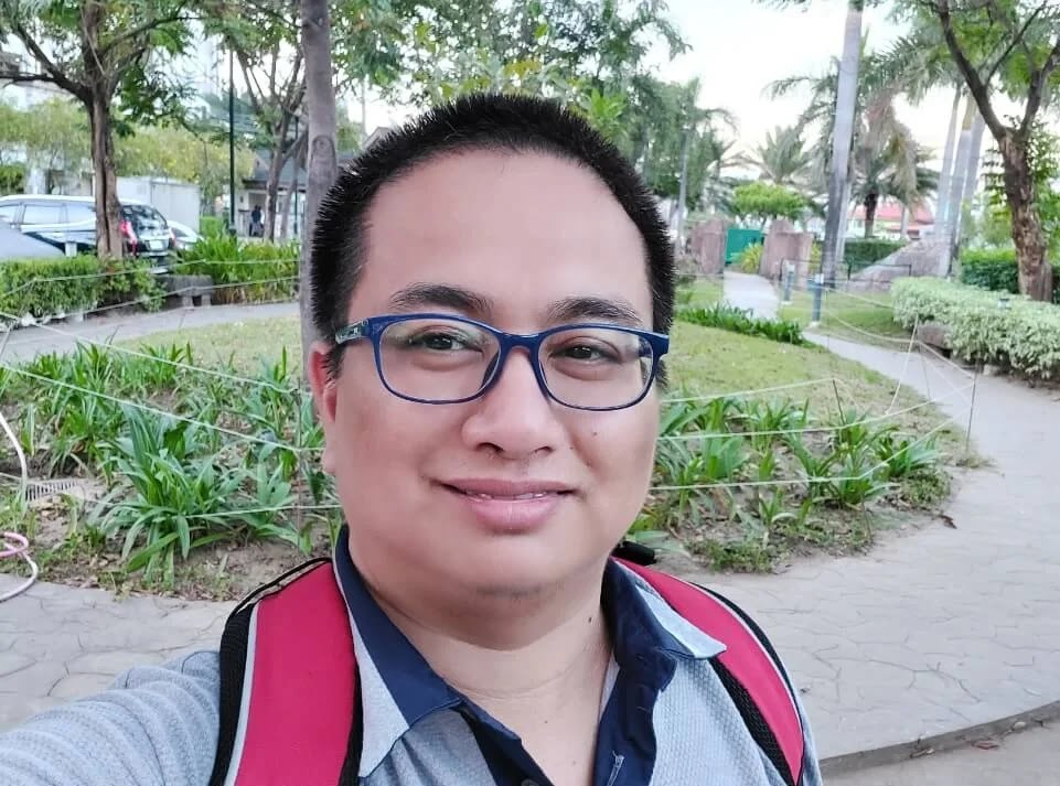 Samsung Galaxy A71 Camera Sample - Outdoor, Afternoon, Selfie (Normal)