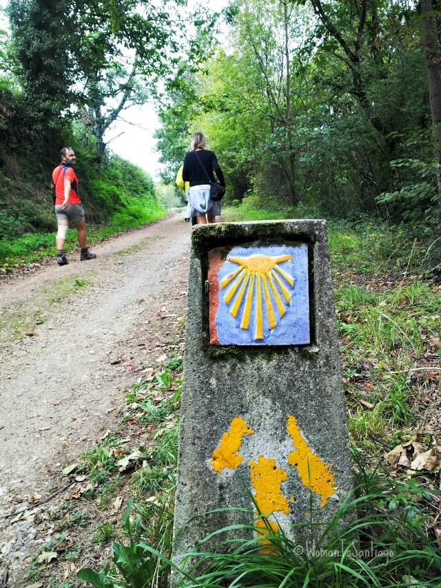 foto de flecha amarilla camino de santiago