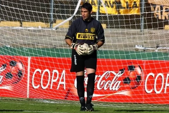 Goalkeeper Juan Obelar started his professional career with Peñarol in 2002