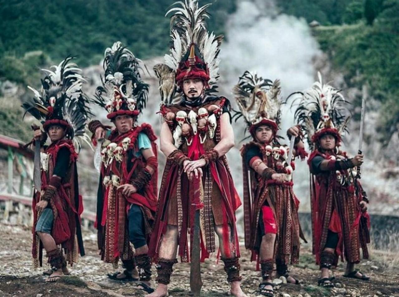 pakaian khas sulawesi utara