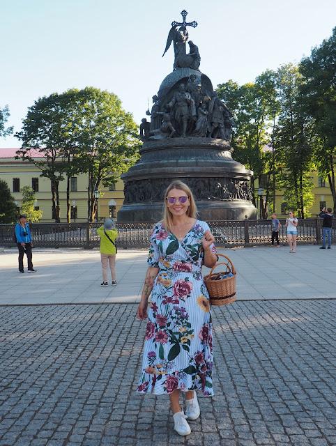 """Великий Новгород – памятник """"Тысячелетие России"""" (Veliky Novgorod - a monument to the """"Millennium of Russia"""")"""