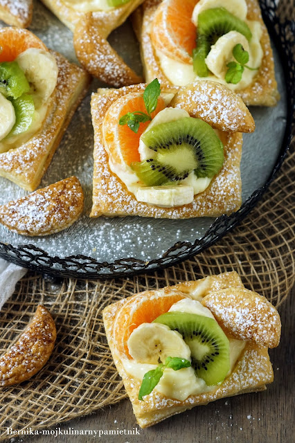 ciastka, francuskie, ciasto, owoce, budyn, deser, bernika, kulinarny pamietnik