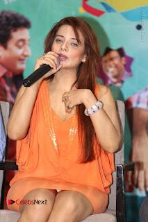 Actress Saloni Aswani Pos in Short Dress at Meelo Evaru Koteeswarudu Movie Interview  0129.JPG