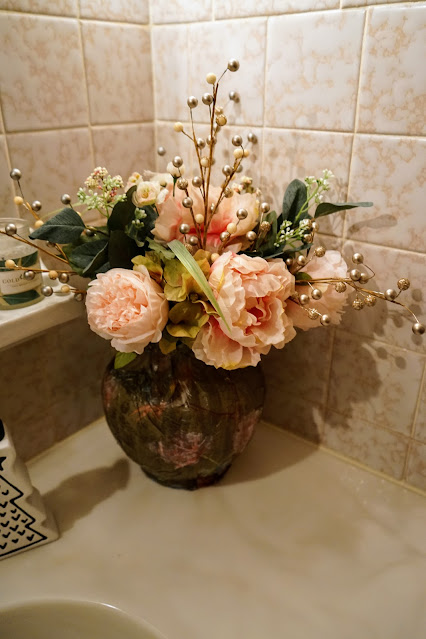 How to style a vase