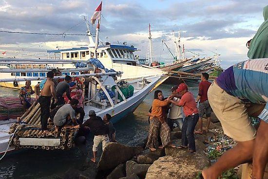Kelebihan Muatan, Kapal Tenggelam di Bajoe