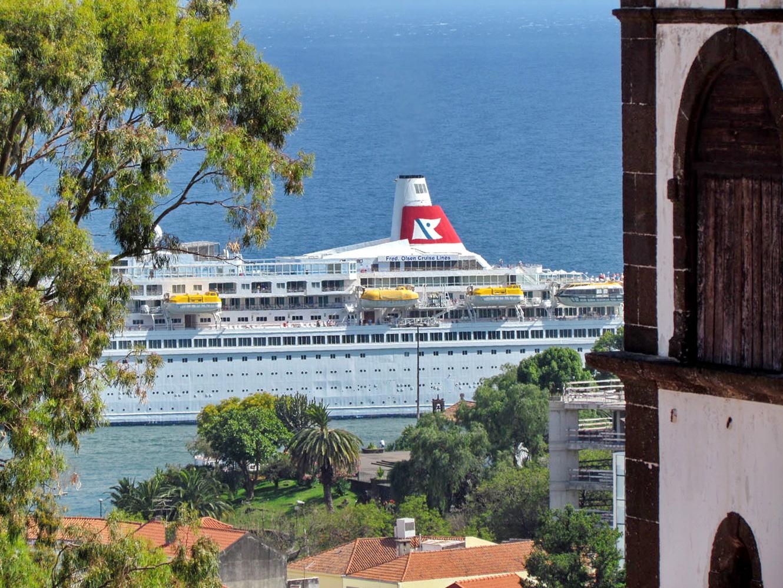 Boudica cruise ship