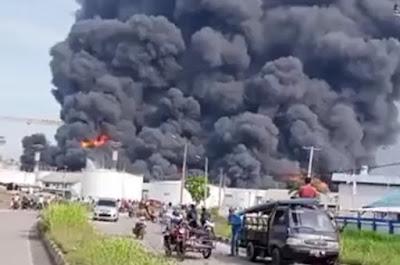 Kapal terbakar di belawan