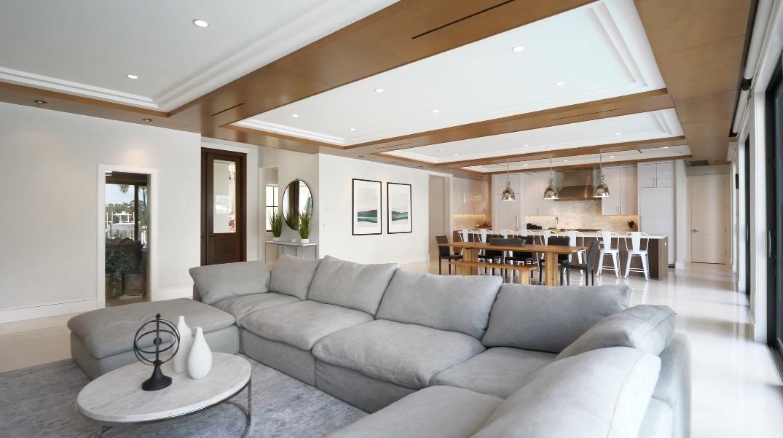 36 Photos vs. Tour 19661 Riverside Dr, Jupiter, FL Luxury Home Interior Design