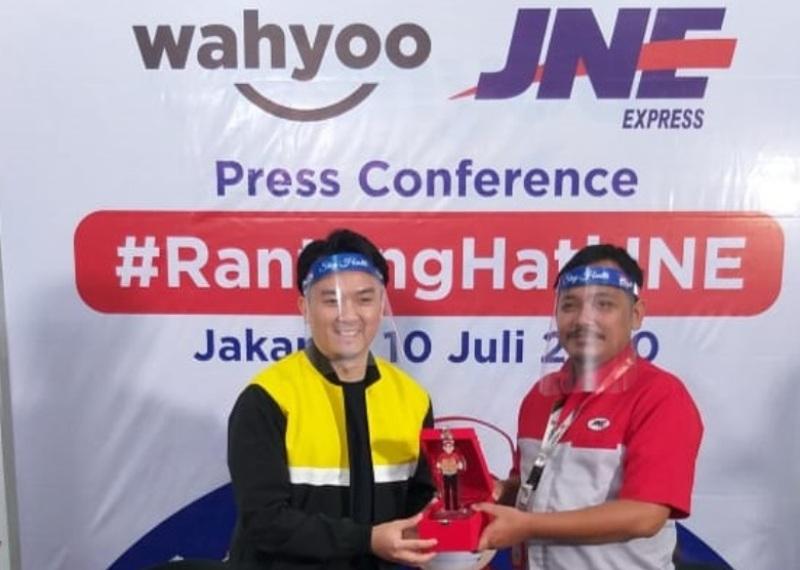 25.400 Warga Jakarta Makan Gratis Melalui Program Rantang Hati JNE untuk Kado Ultah DKI yang ke 493