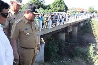 Bupati Indramayu Pantau langsung Kualitas Perbaikan Pintu Air