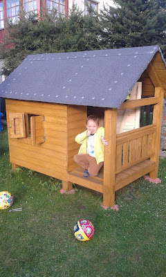 Drewniany Domek DIY Do Ogrodu dla Dziecka