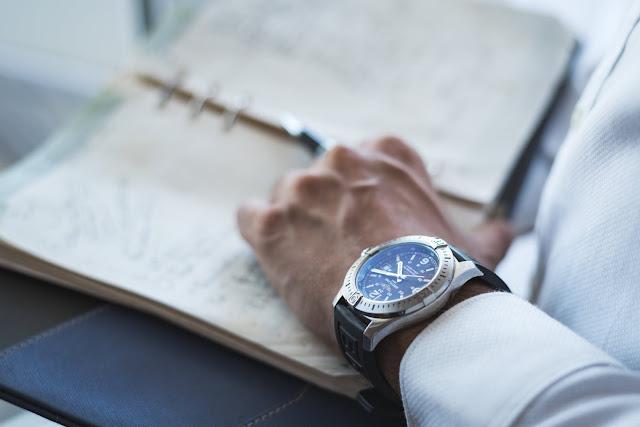 How to Wear a Luxury Watch
