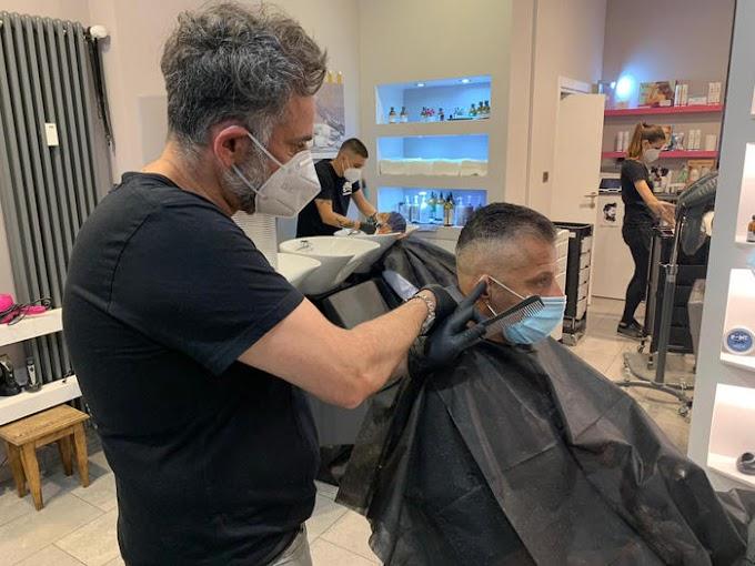 Barbieri, parrucchieri ed estetiste in zona rossa: sconforto e preoccupazione