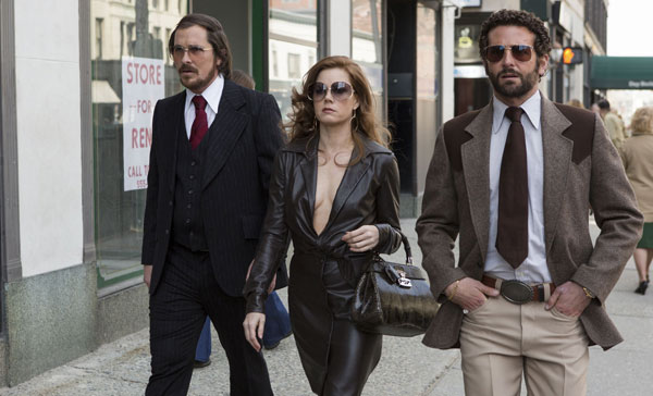 Review: AMERICAN HUSTLE (2013)