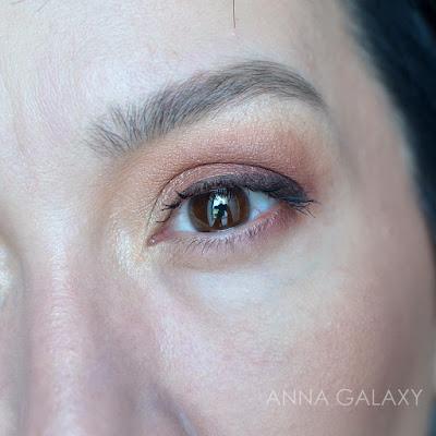 Макияж  Imagic PROfessional cosmetics 16 color eyeshadow palette