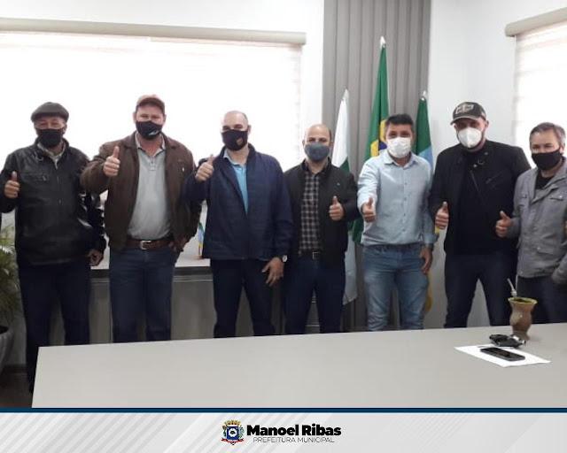 """Manoel Ribas: Filho da ex-prefeita é """"cortado"""" da foto..."""